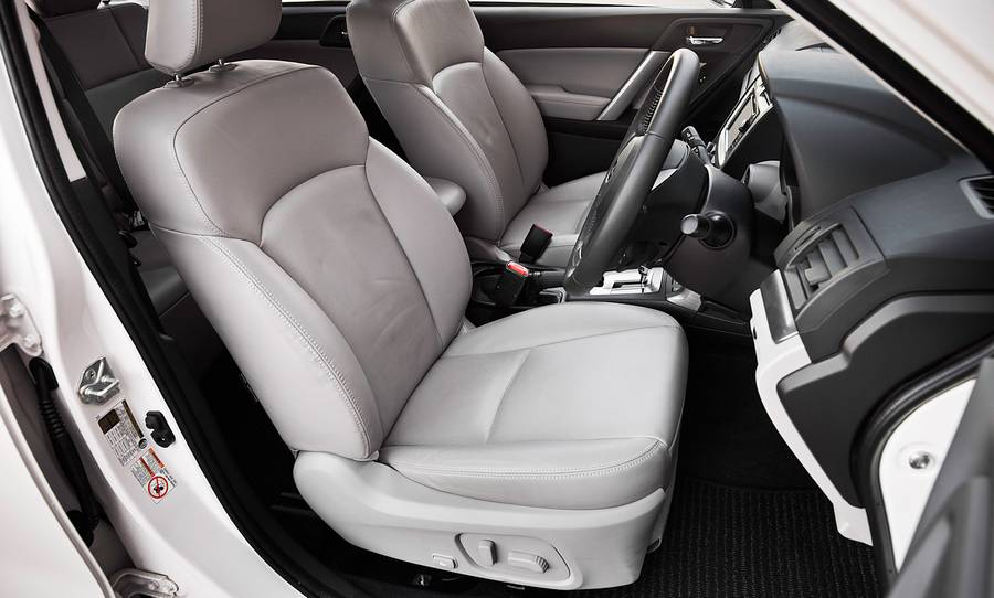 2014-subaru-forester-touring-front-seats